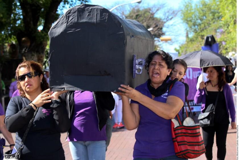 Debido al incremento de la violencia de género y desapariciones de mujeres, en algunos estados se han manifestado en contra de este tipo de delitos. En la imagen, el mes de abril las mujeres salieron a protestar en el estado de Jalisco, uniéndose así a una movilización nacional realizada en ese entonces.