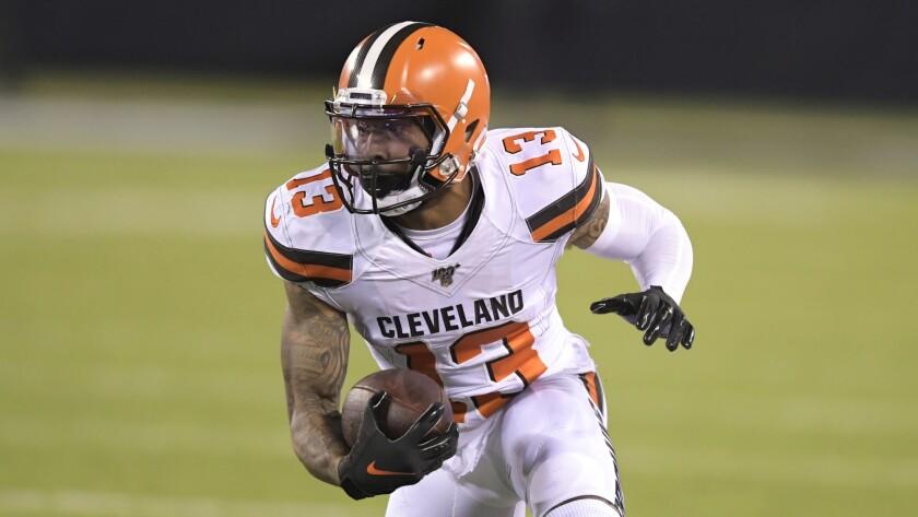 Cleveland Browns wide receiver Odell Beckham makes a catch.