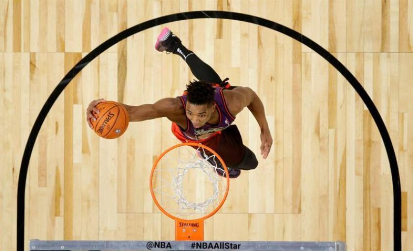 Donovan Mitchell from the Utah Jazz participates in the 2018 Verizon Slam Dunk contest at Staples Center in Los Angeles, California, USA, 17 February 2018. EFE