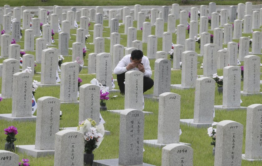 Image of Asia: South Korea remembers dead on Memorial Day - The ...
