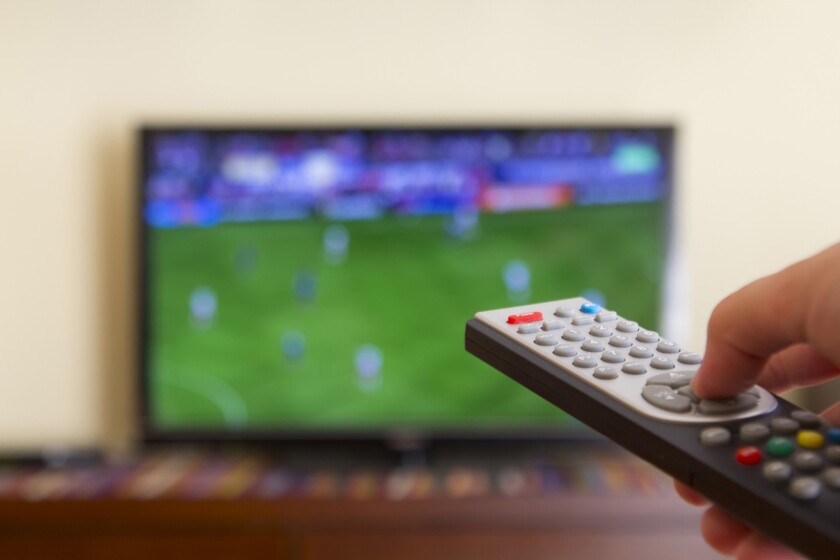 FCC Chairman Tom Wheeler on Wednesday recommended setting standards for TV navigation devices in an effort to open the market to more competition.