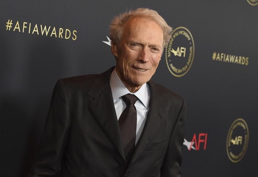 Clint Eastwood llega a los premios AFI el 3 de enero de 2020 en Los Angeles.
