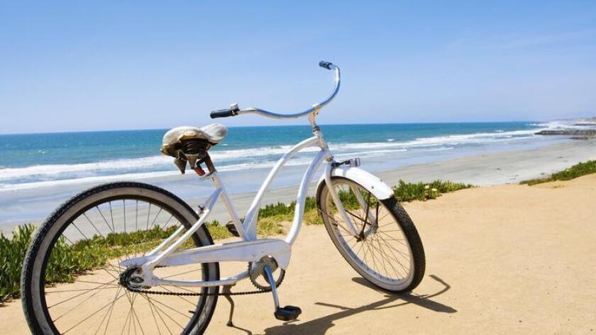 sddsd-ride-bikes-around-coronado-isl-20160901
