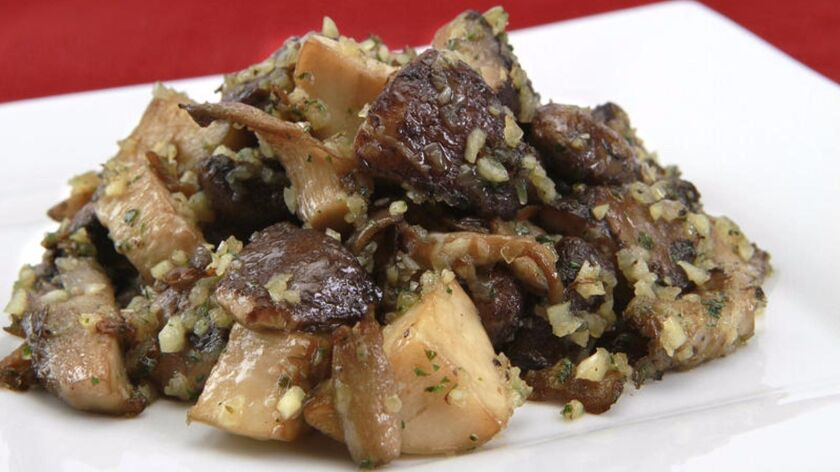 How to make those amazing garlic-shallot butter mushrooms from Craft Los Angeles