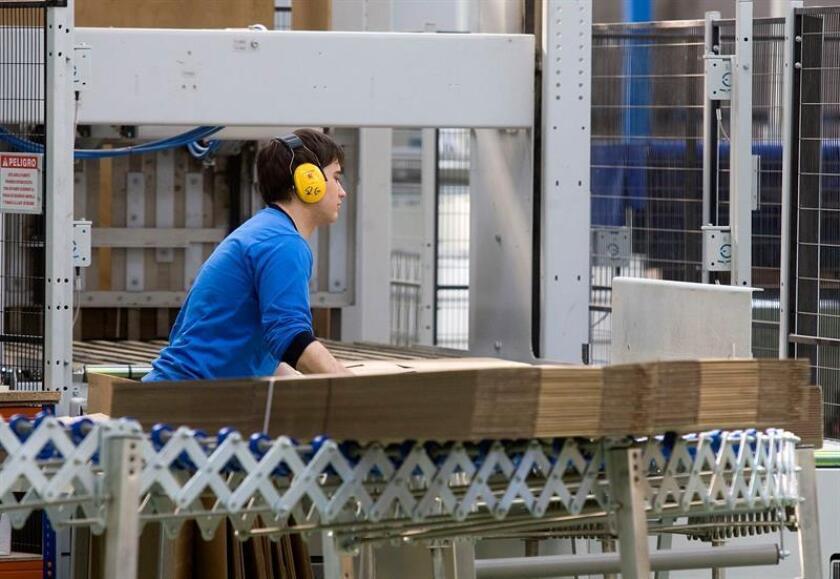 El mayor fabricante europeo de cajas de cartón, Smurfit Kappa, quiere convertirse en la empresa de empaquetado que más contribuye al cuidado del medio ambiente, aseguró a Efe Juan Guillermo Castañeda, director ejecutivo de la compañía para las Américas. EFE/Archivo