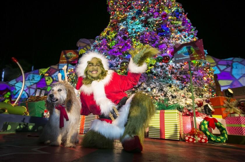 El Grinch sigue haciéndo de las suyas en esta Navidad.