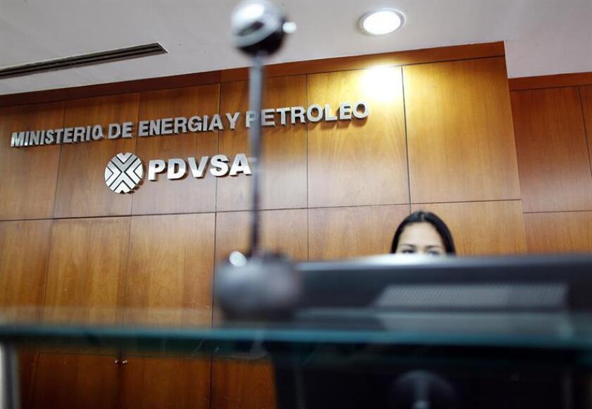 Dos empresarios estadounidenses del sector energético se declararon hoy culpables de sobornar a altos cargos de la petrolera estatal venezolana, Petróleos de Venezuela SA (PDVSA), con el fin de obtener varios contratos lucrativos. EFE/ARCHIVO