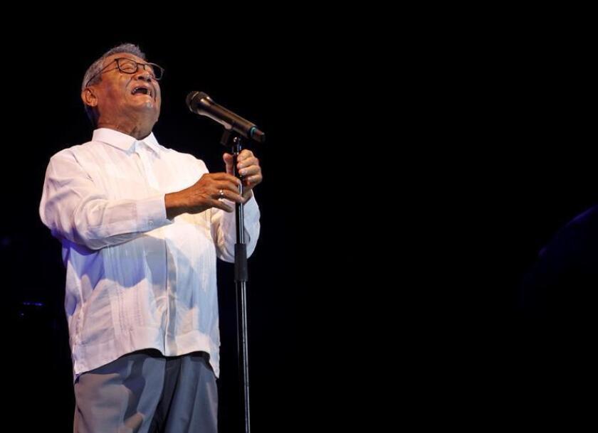 El cantautor mexicano Armando Manzanero se presenta en concierto el 15 de julio de 2018, en La Habana (Cuba). EFE/Archivo