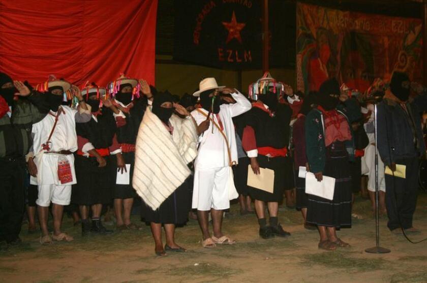 El Congreso Nacional Indígena (CNI) de México acordó aplazar del 1 de enero a mayo la elección de una candidata indígena a los comicios presidenciales del 2018 que será apoyada por el Ejército Zapatista de Liberación Nacional (EZLN). EFE/ARCHIVO