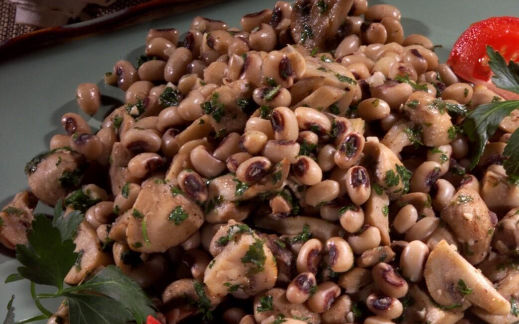 Black-Eyed Peas and Mushrooms