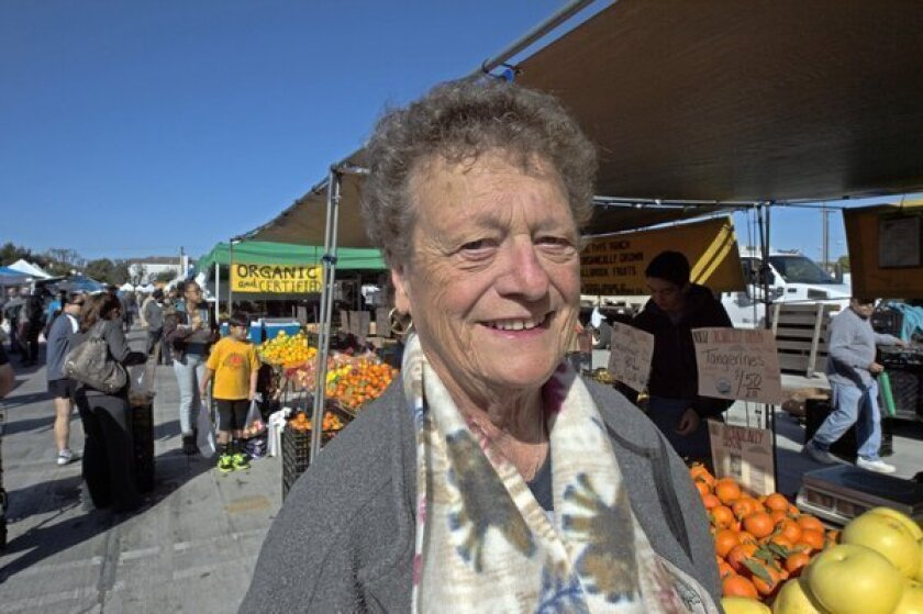 Longtime farmers market manager Mary Lou Weiss dies