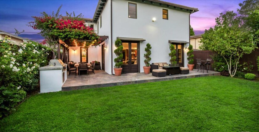 Writer-producer Jeff Drayer snaps up a new spot in Brentwood