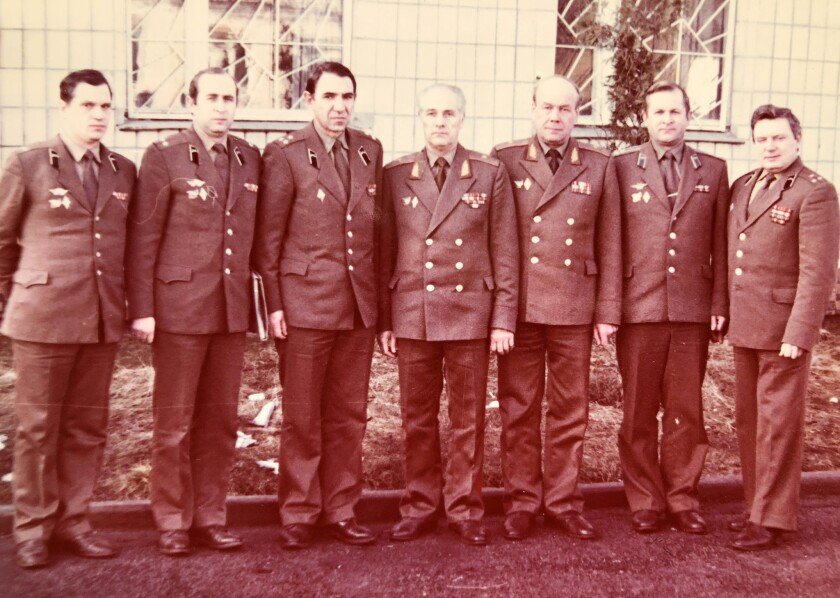 Lt.-Col. Viktor Chershnev, second from left, with a group of senior officers in 1988. Photo from Ig