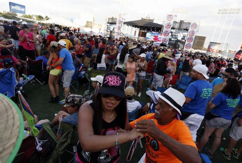 La edición número 35 del Día Nacional de la Salsa, que se celebrará el próximo domingo en San Juan, se convertirá este año en un evento internacional gracias a la participación de agrupaciones de Cuba, Venezuela y Colombia, tres países con gran tradición en ese género caribeño. EFE/Archivo
