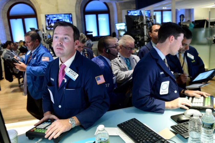 Wall Street cierra con pérdidas, preocupado por los resultados empresariales