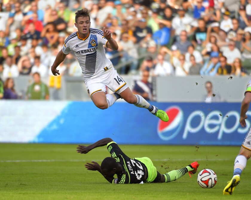 Galaxy extends contracts of Rogers, Villarreal and Garcia