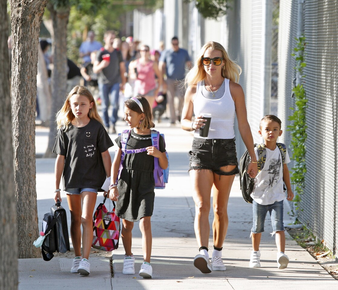 Photo Gallery: Theodore Roosevelt Elementary School first day