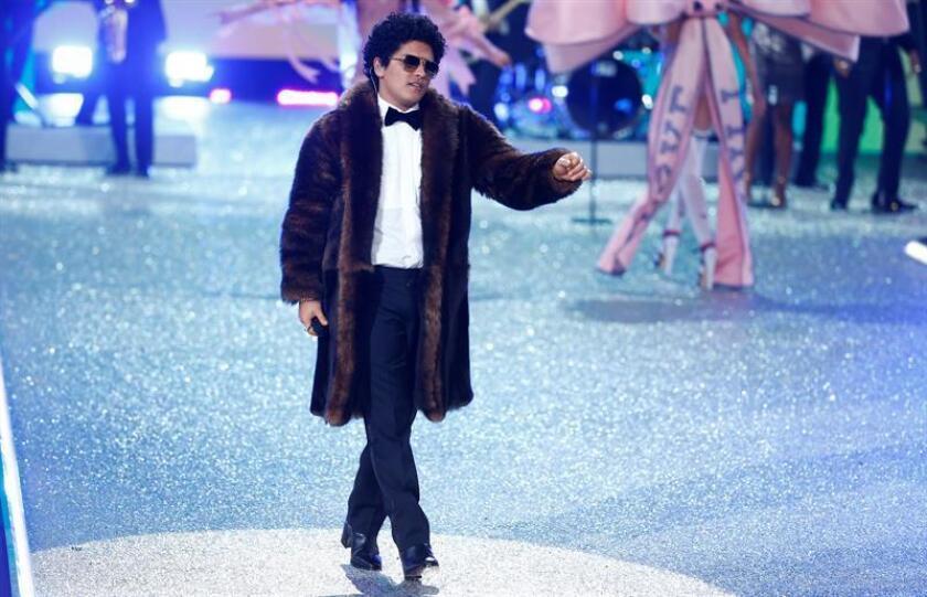 Em la imagen, el cantante estadounidense Bruno Mars. EFE/Archivo