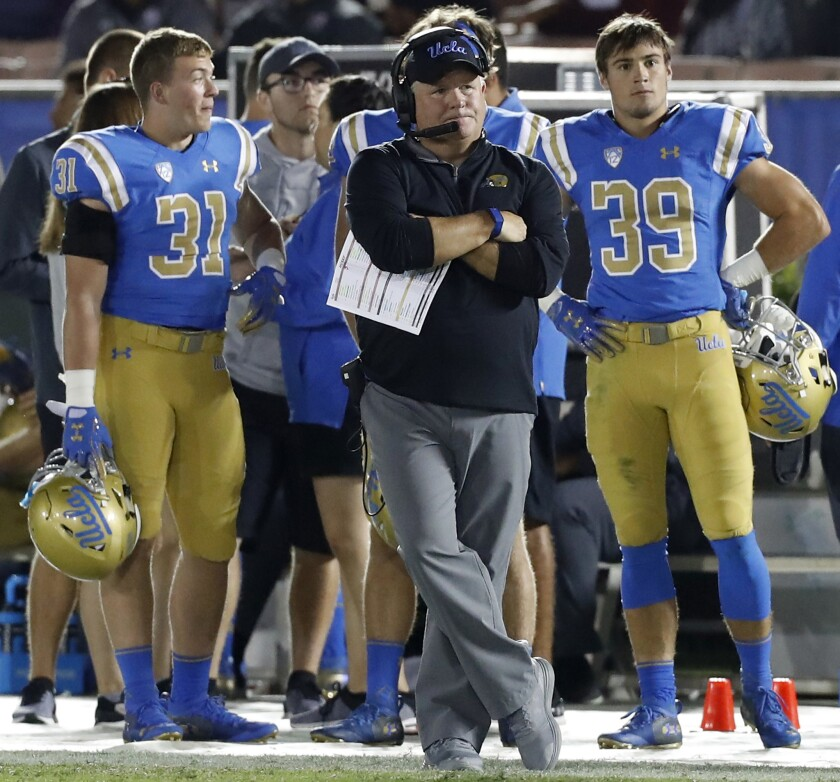 PASADENA, CALIF. - SEP. 28, 2018. Bruins head coach Chip Kelly watches the closing minutes iof a 21-