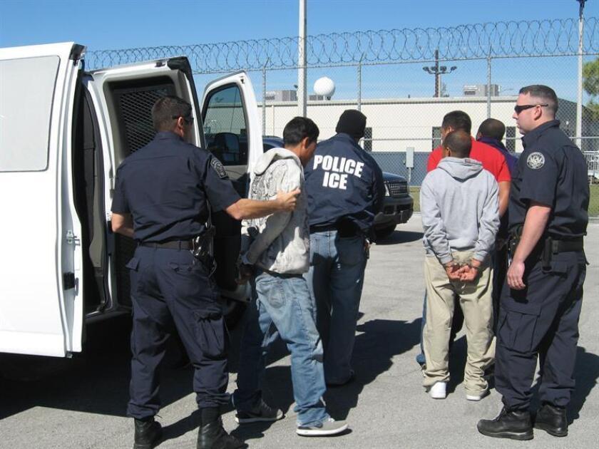 La Oficina de Control de Inmigración y Aduanas (ICE) detuvo en un operativo de tres días a 89 personas indocumentadas acusadas de cargos penales previos y de infringir las leyes de inmigración, según explicaron hoy las autoridades en un comunicado. EFE/SÓLO USO EDITORIAL/NO VENTAS