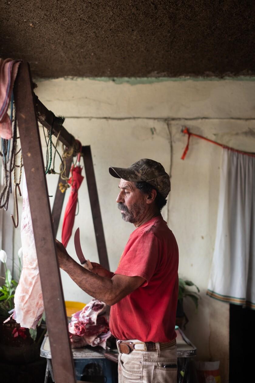 Pedro Sánchez butchers the goat