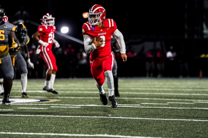 Bryce Young uses his legs to help Mater Dei stay unbeaten