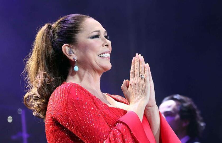La cantante Isabel Pantoja durante un concierto. EFE/Archivo