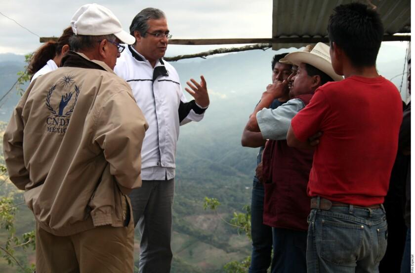 Las más de 5 mil personas desplazadas por el conflicto territorial entre los Municipios de Chenalhó y Chalchihuitán en Chiapas siguen en riesgo ante las bajas temperaturas y la situación de inseguridad, alertó la Comisión Nacional de los Derechos Humanos (CNDH).