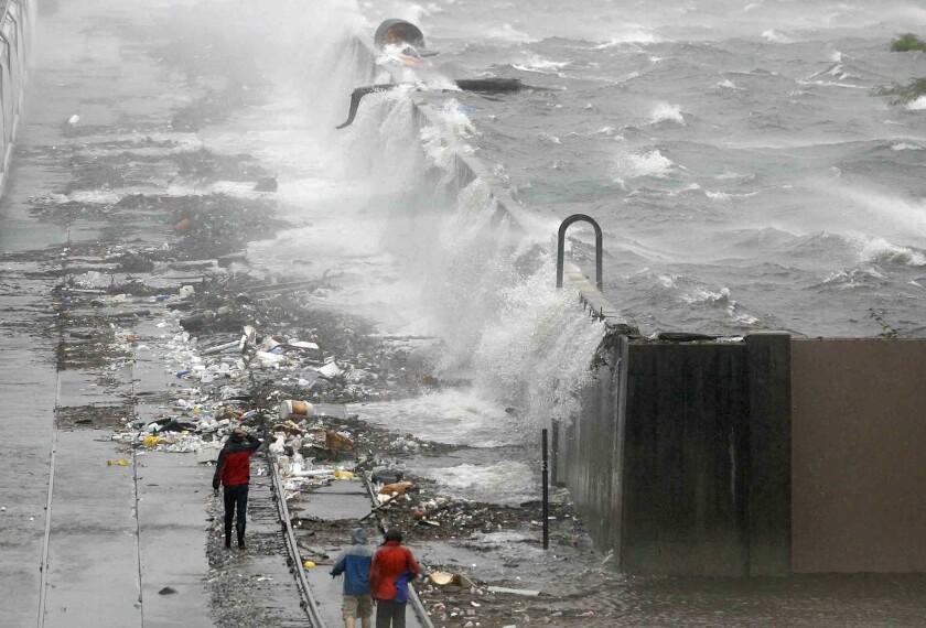 Overflowing seawall