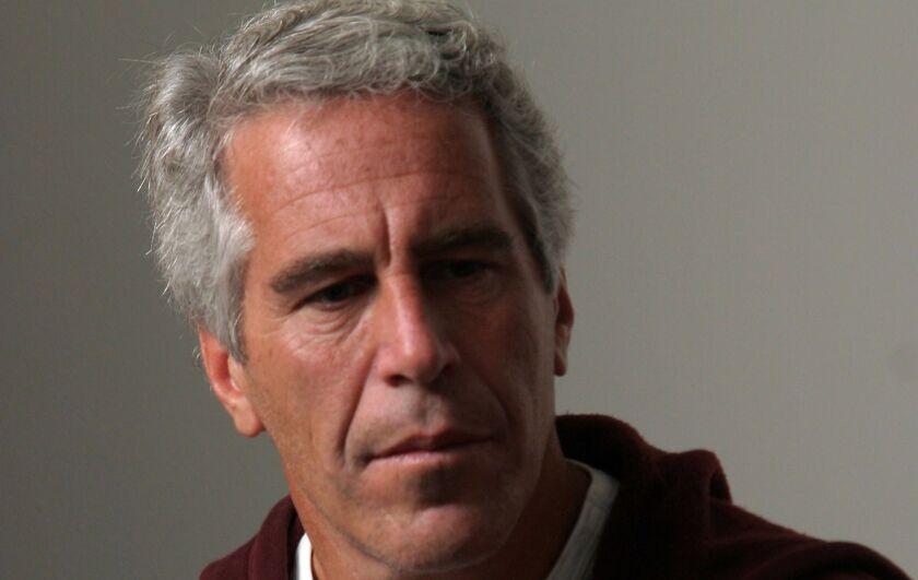 Jeffrey Epstein, millonario financista estadounidense, estaba acusado de abuso sexual de menores.