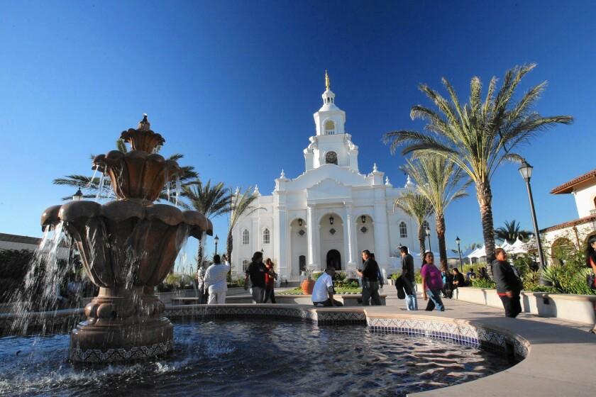 la-2445012-sd-me-tijuana-mormon-temple-jg-0508-jpg-20151126