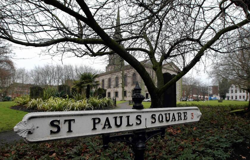 A street sign for St. Paul's Square in Birmingham, England, drops the apostrophe.