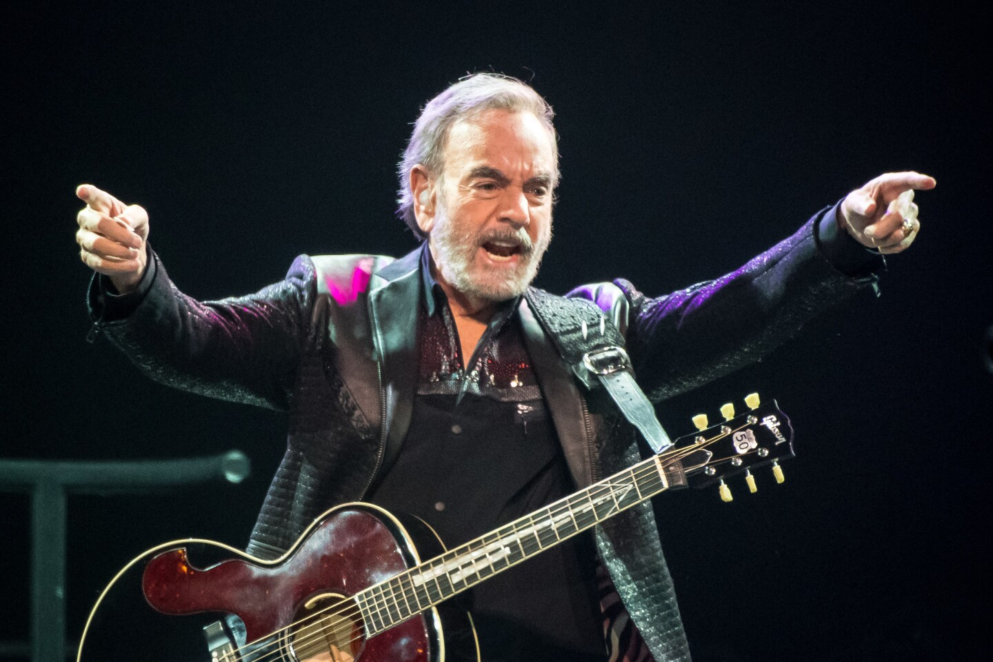 Neil Diamond celebrates 50th anniversary of entertainment