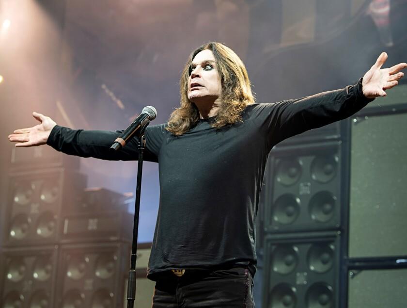 El cantante Ozzy Osbourne durante su participación en el festival Ozzfest que se llevó a cabo en el Forum.