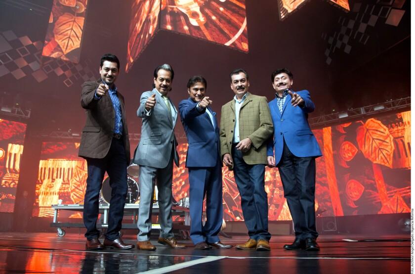 """Los integrantes de Los Tigres del Norte, que aparecen aquí durante su participación en el 'reality' """"La Voz... México"""", conversaron extensamente con HOY sobre distintos temas."""