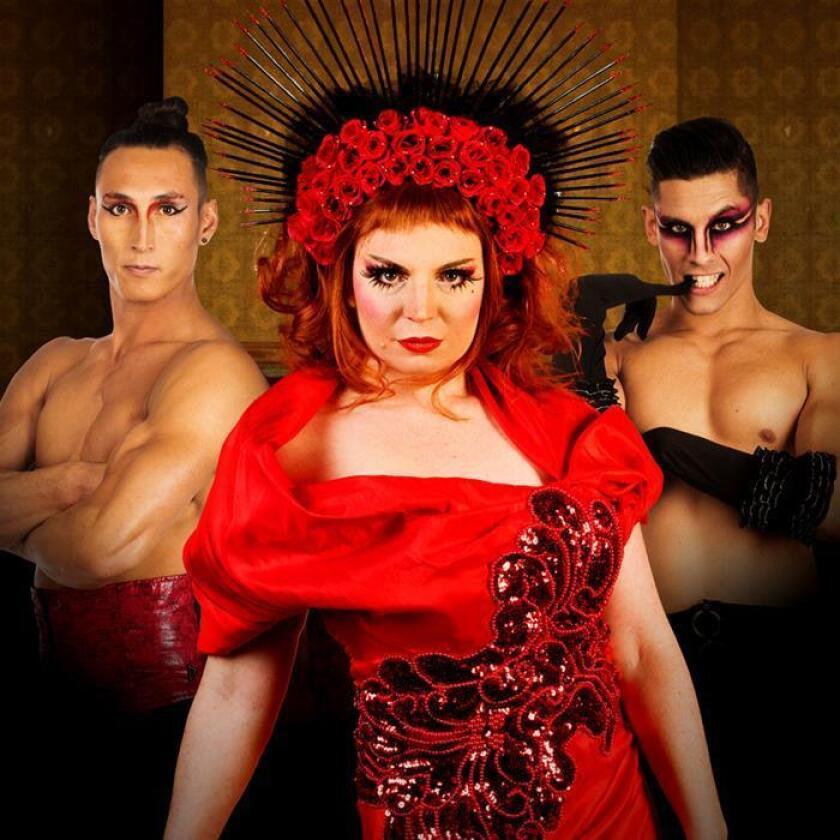 """Fotografía facilitada por """"Rouge"""" que presenta en Edimburgo uno de los espectáculos más picantes del Festival Fringe, en el que las acrobacias, mezcladas con ópera y tintes de burlesque, pretenden romper los estereotipos de género. EFE/Rouge"""