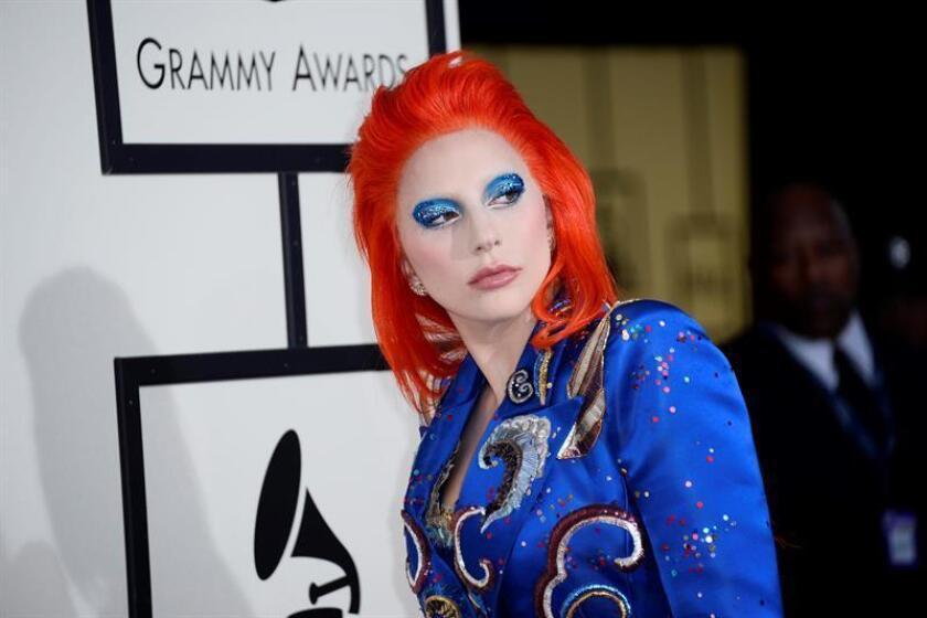Cuarenta y nueve celebridades, entre ellas Lady Gaga y Sofía Vergara, se unieron para rendir tributo a cada uno de los 49 muertos en la matanza de Orlando y pedir leyes a favor del control de armas y la protección de la comunidad LGBT.