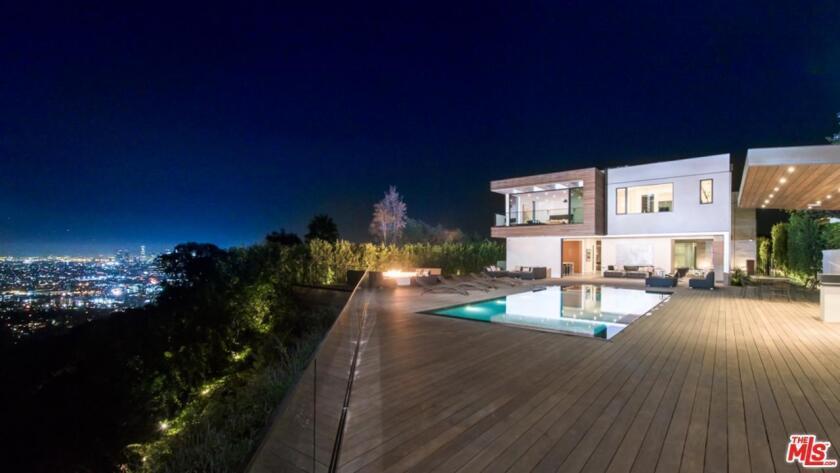 Hot Property   Izabella Scorupco