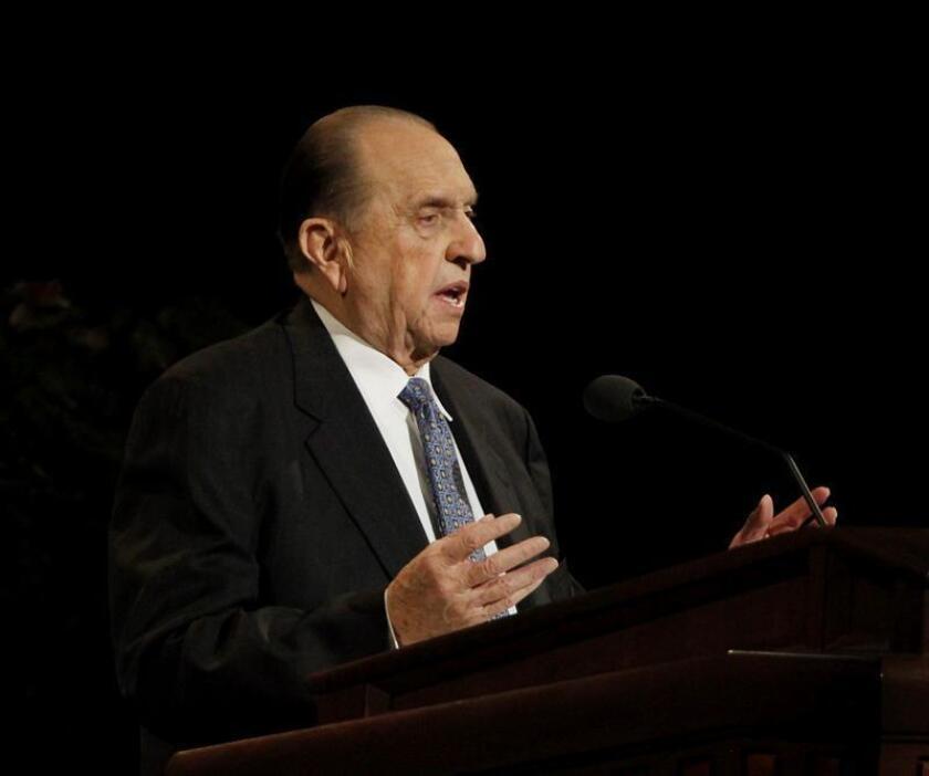 Thomas Monson, presidente de la iglesia mormona, pronuncia un discurso. EFE/Archivo
