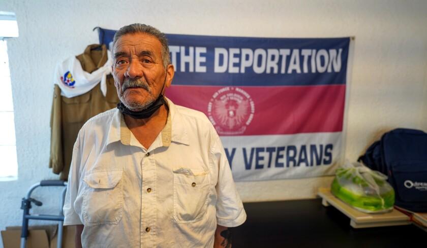 El veterano del Ejército Andrés de León, de 77 años de edad