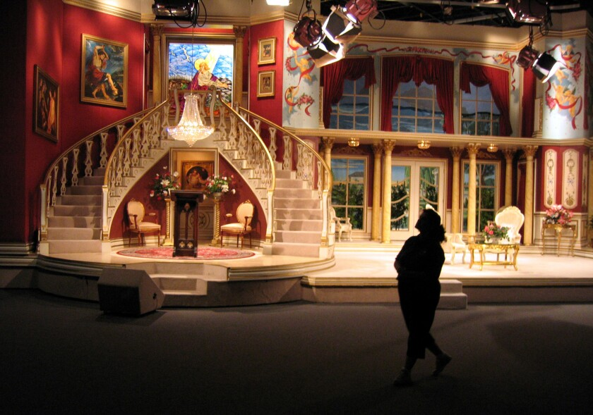 The TCN set included stained-glass windows and gilded imitation antiques.