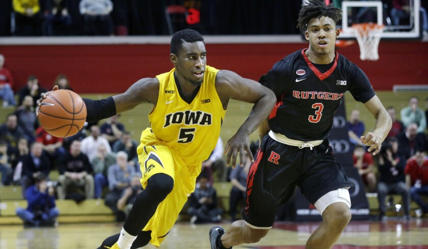 No. 9 Iowa stays unbeaten in Big Ten