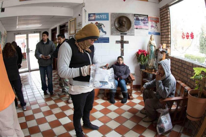 """Activistas mexicanos afirmaron hoy que """"las casas del migrante son ahora campos de refugiados"""", al presentar el informe """"Frontera Cerrada"""", que analiza la migración frente a las nuevas políticas migratorias del presidente de Estados Unidos, Donald Trump. EFE/ARCHIVO"""