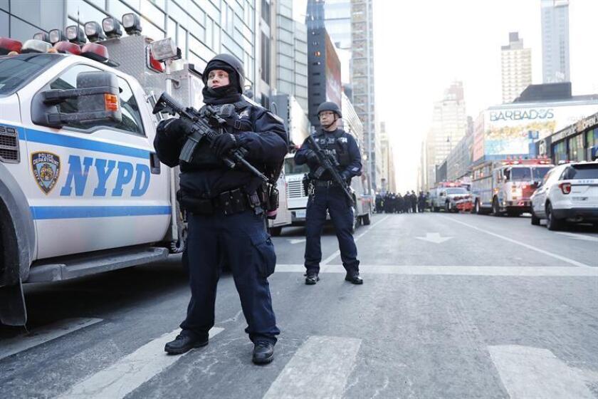 Un hombre que apoyó la posibilidad de realizar en Nueva York un ataque terrorista similar al ocurrido en Francia en 2016 se declaró hoy culpable de intentar dar apoyo material al grupo terrorista Estado Islámico (EI). EFE/ARCHIVO