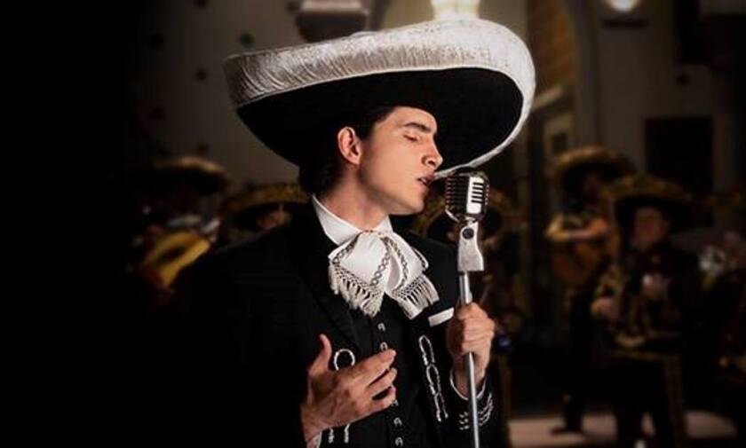 """Alex, hijo del Alejandro y nieto de Chente, lanza su primer sencillo ranchero, """"Te Amaré""""."""