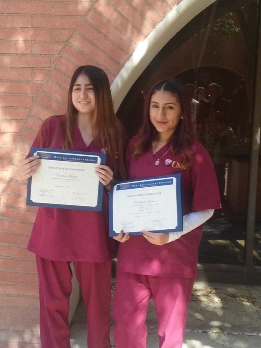 USC ofrece programa de asistente de dentista a jóvenes de bajos recursos de L.A.