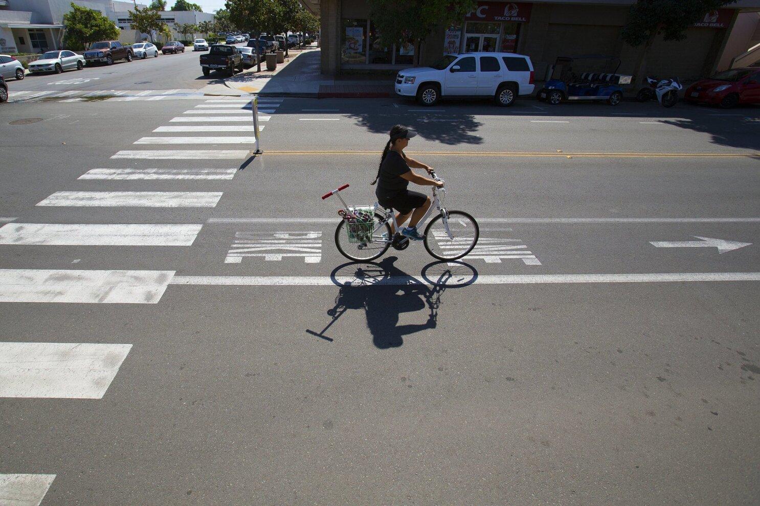Bike lane backlash dividing Coronado - The San Diego Union-Tribune