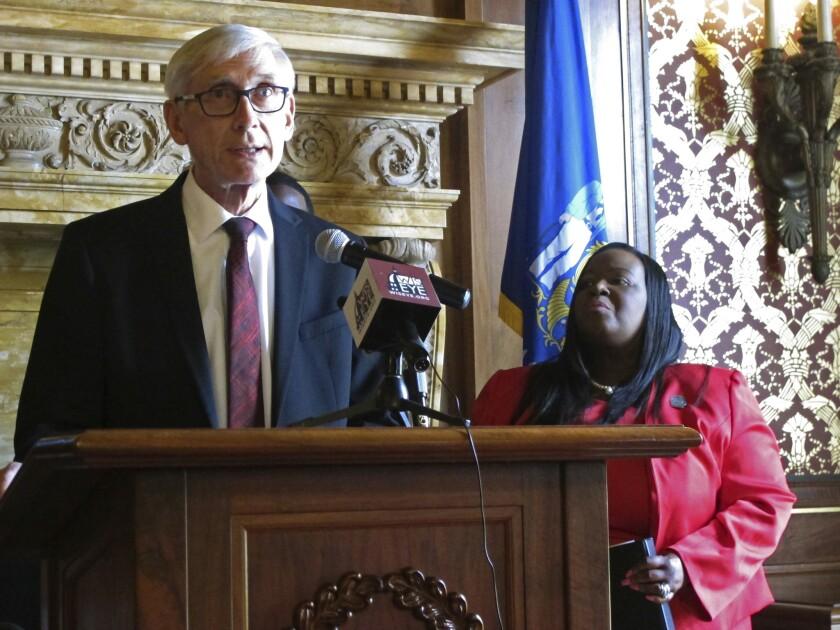 ct-wisconsin-governor-legislature-20190526-001