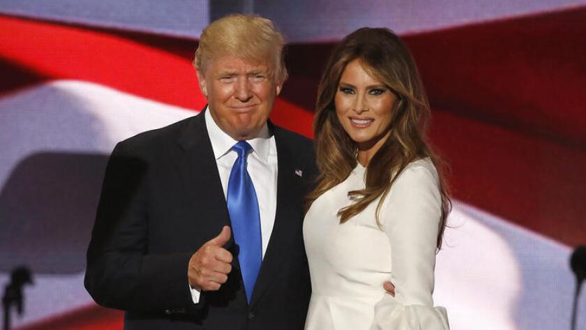 Las redes sociales ardieron el lunes por la noche, cuando muchos señalaron que el discurso de Melania Trump en horario central de TV, en la Convención Nacional Republicana, parecía sorprendentemente similar al pronunciado por Michelle Obama durante la convención de 2008.