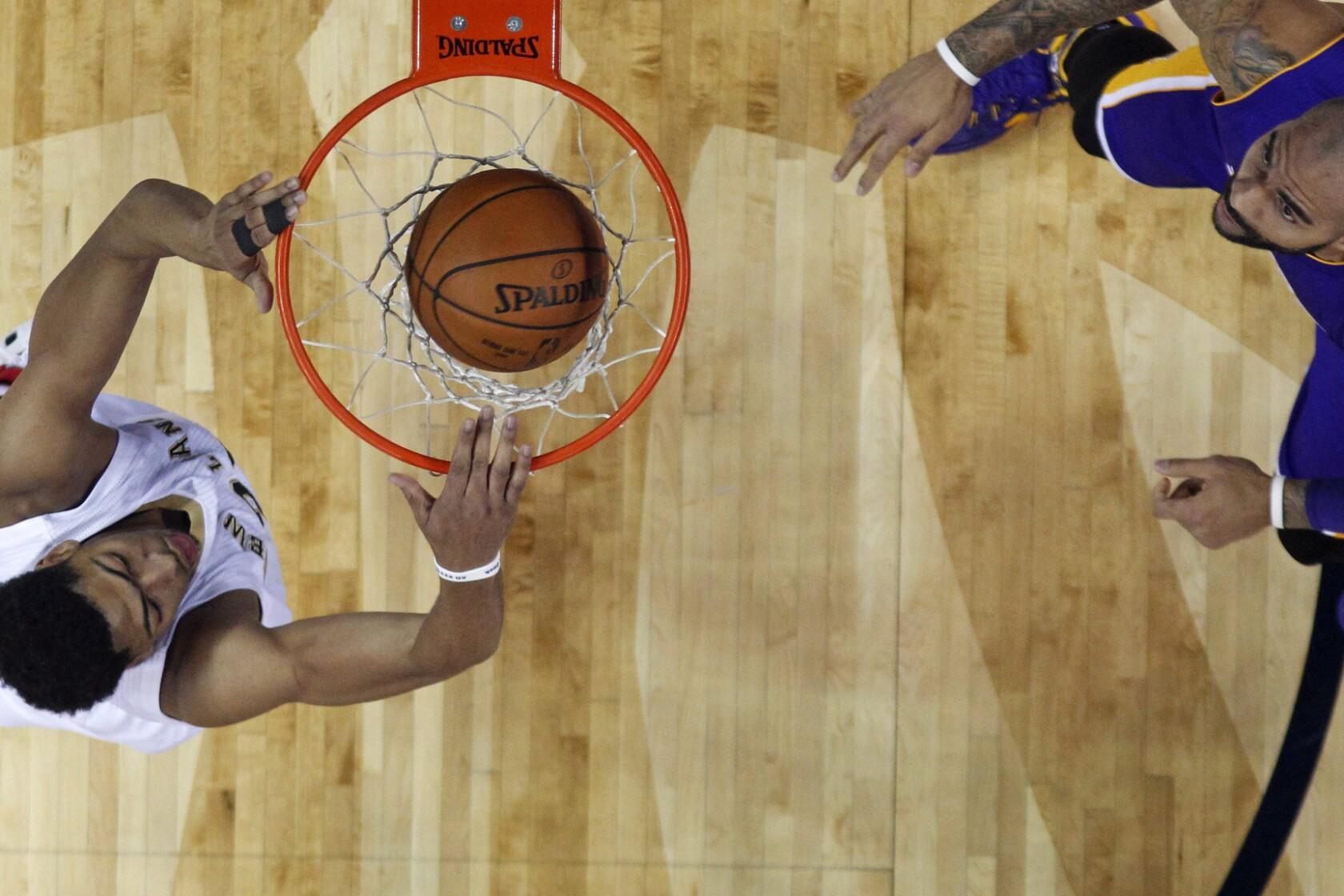Austin Rivers Pelicans Dunk